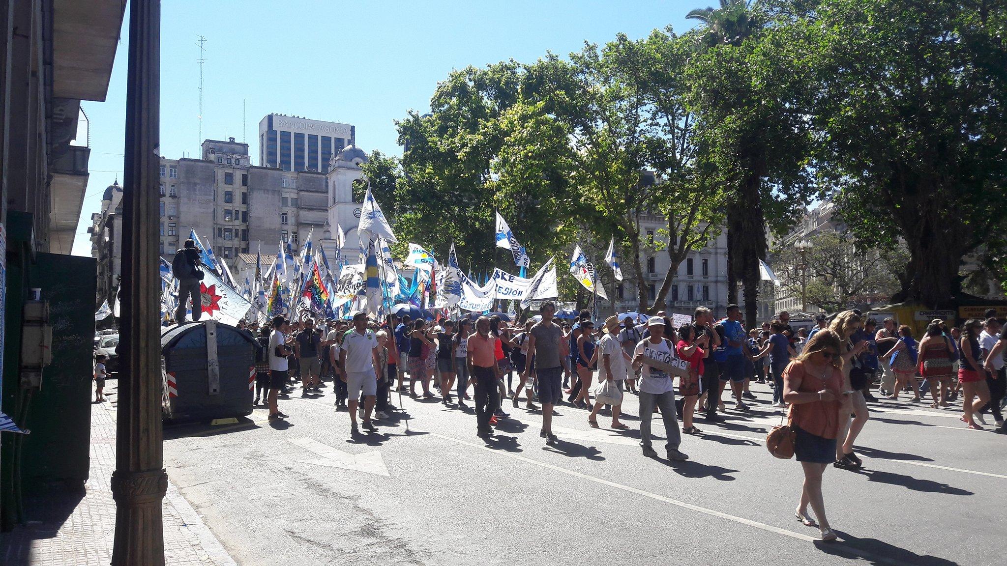 09.12.16 Die Argentinier streiken seit fünf Tagen und sperren die Straßen